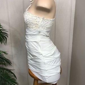 Dresses - White City Triangles dress GORGEOUS size M